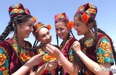 新疆维吾尔族舞蹈基础教学内容