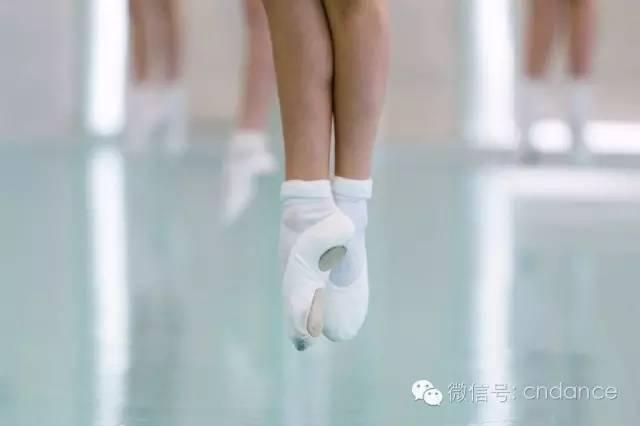 孩子坚持学舞蹈,家长一定要鼓励!