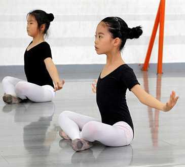 哪些舞种可以让初学的孩子学习