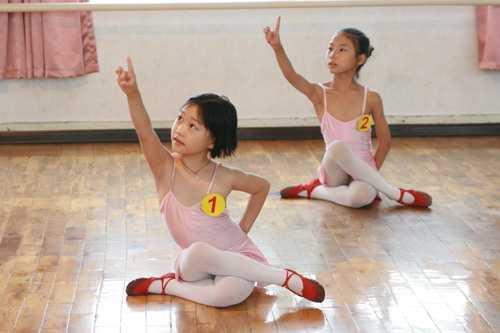 少儿中国舞考级在少儿教育中的作用