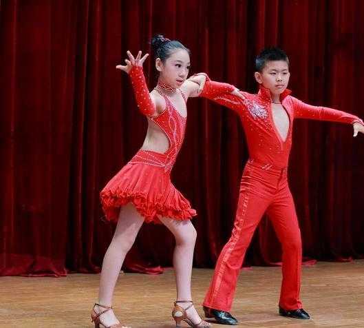 国标舞(华尔兹交谊舞)教学视频