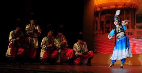 维吾尔族舞蹈教案