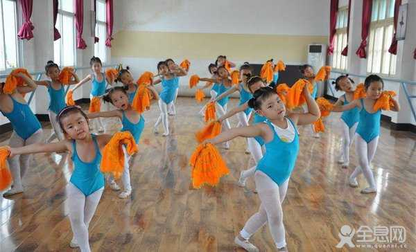 舞蹈考级的四大优势影响孩子一生