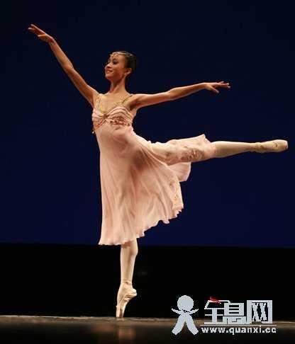 芭蕾软开怎样练习