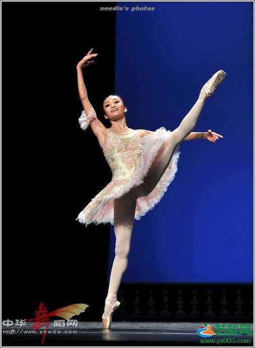 芭蕾舞入门:手位脚位练习