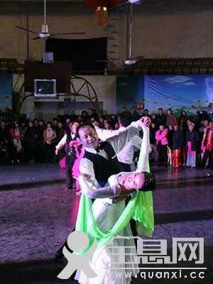 河南焦作规范交谊舞分会成功举办迎新年舞蹈盛会