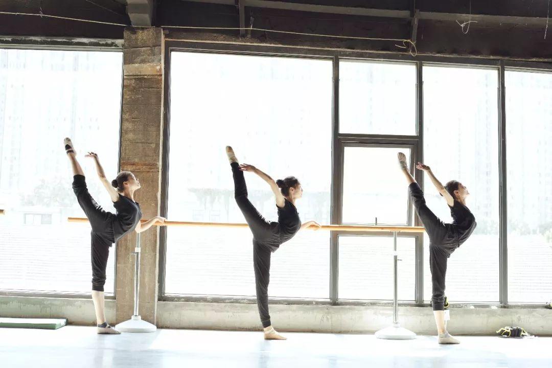 孩子们实现舞蹈梦想的必经之路!