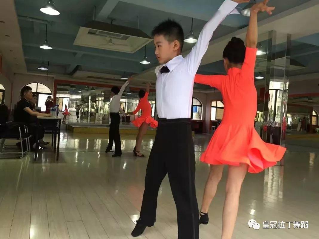 学习拉丁舞的好处非常多