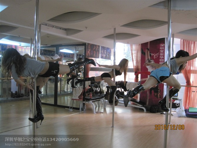 既是创业的热门又是高薪的职业的钢管舞教练培训