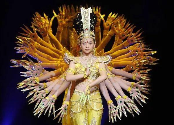 """""""千手观音""""邰丽华:最好的舞蹈 总与人生相关"""