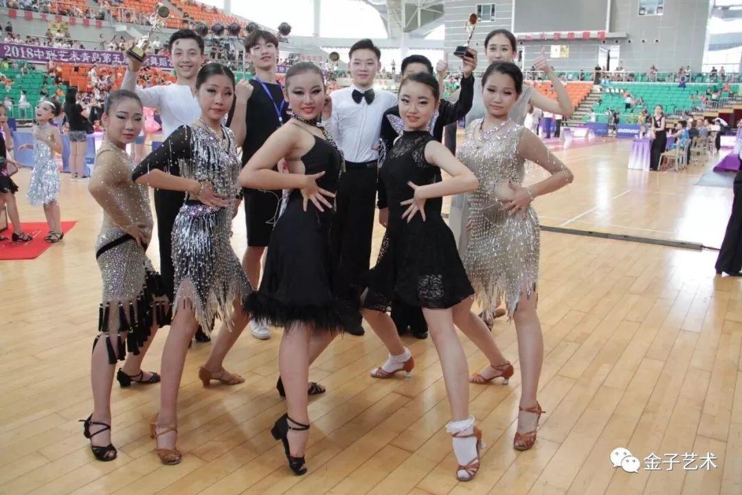 鼓励孩子参加舞蹈比赛的重要性?