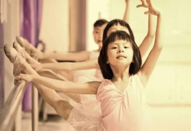 舞蹈老师最头疼哪种学生?