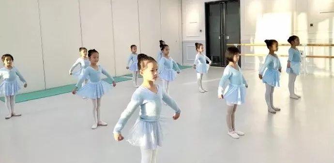 排好一个幼儿舞蹈节目真不容易