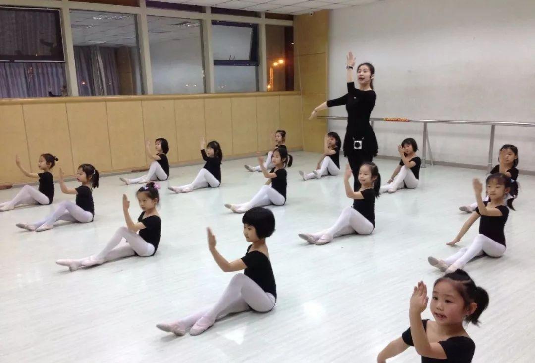 """学舞蹈想出类拔萃,从""""偷""""练开始!"""