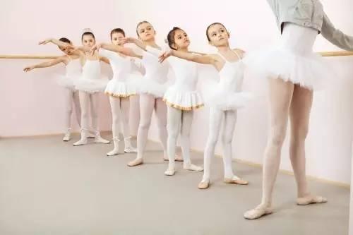 孩子从小学习舞蹈是好是坏?
