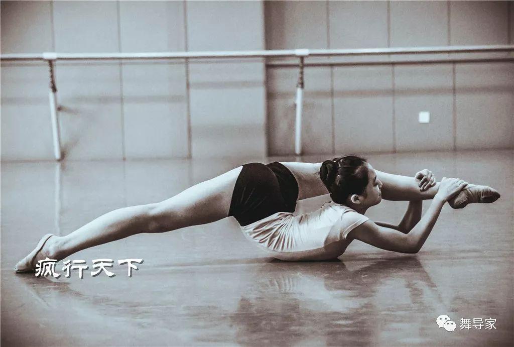 毯技:舞蹈艺考的必考内容