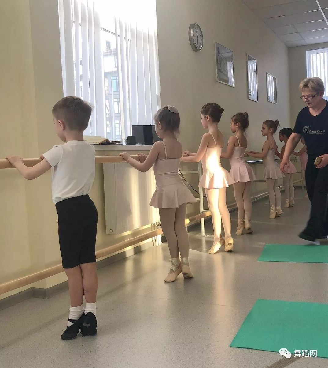 舞蹈老师太严格,是好是坏?