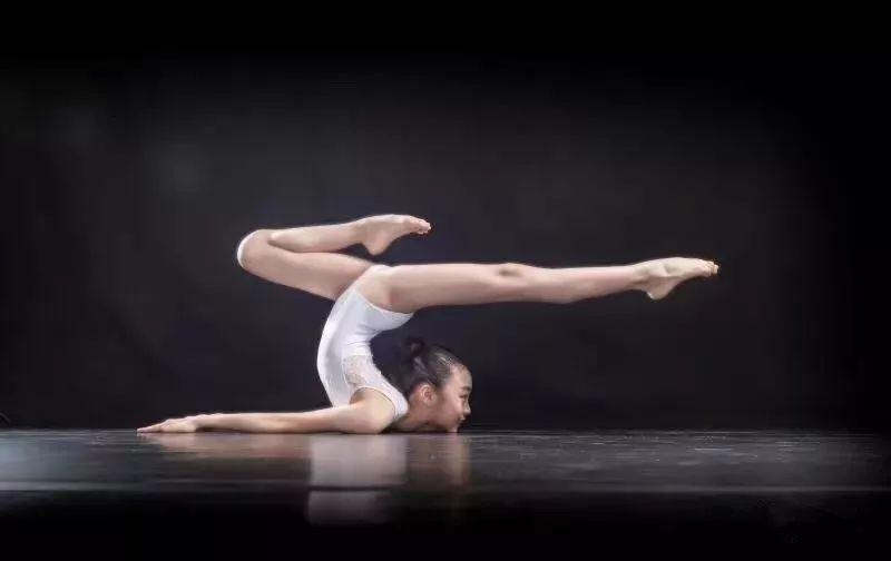 """学舞蹈的孩子,哪一个不是""""逼出来的"""""""