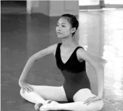 舞蹈小课堂:舞蹈压胯训练组合