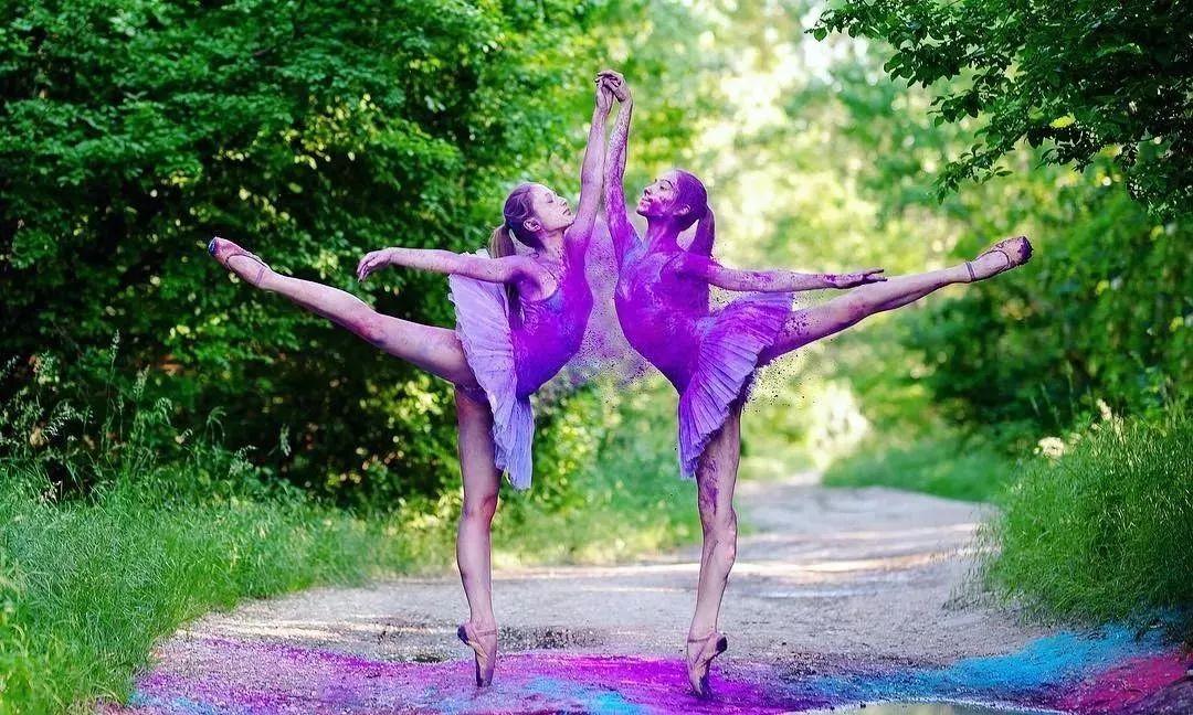 """国标舞、中国舞为什么都要上""""芭蕾基训课""""?"""