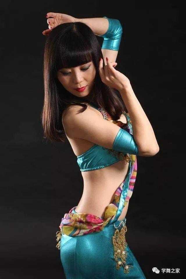 跳肚皮舞的好处,跳肚皮舞美的女欣赏,简直是人间尤物,无比性感