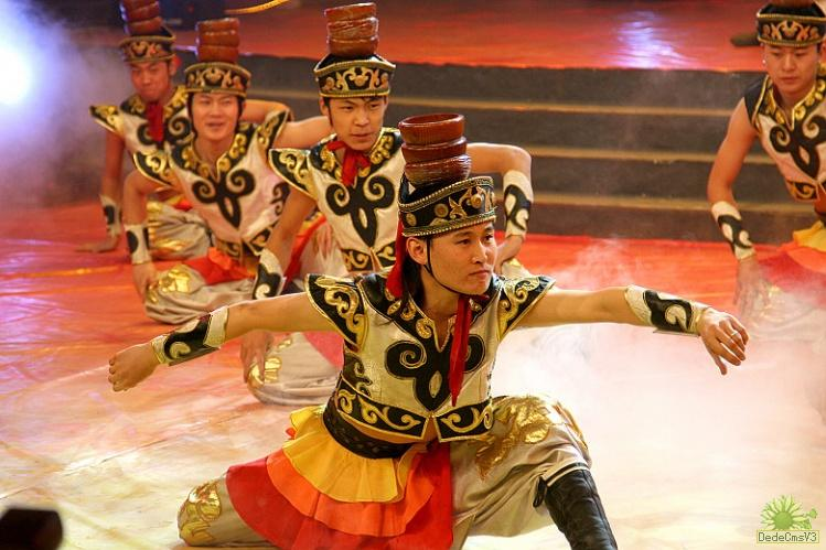 蒙古舞蹈中民族文化的体现与传承